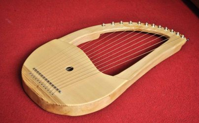 12 String Sycamore Lyre 1