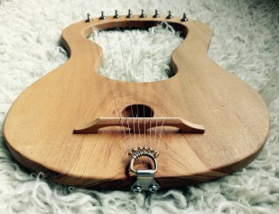 Chestnut with guitar tuners